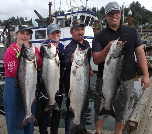 Another great day of Columbia River salmon fishing with Alpha Pest Control Group - Aug 2013