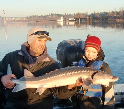 Willamette River sturgeon fishing - Portland Harbor - Dec 2012